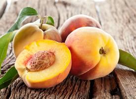 皮薄水分足的水蜜桃圖片欣賞