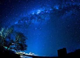 夜晚璀璨星空高清桌面壁紙