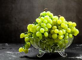 新疆无籽绿色葡萄无籽露图片