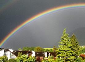 高清七彩彩虹图片