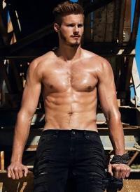 一組冷酷的肌肉男圖片