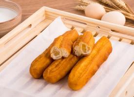 中式早餐油条图片