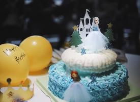 一組漂亮的生日蛋糕圖片