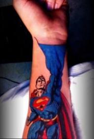超人紋身 9款個性的超人superman主題的紋身圖片
