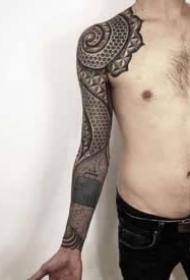 圖騰大黑臂幾何設計紋身 拉斯維加