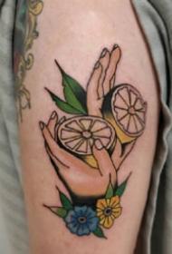 檸檬紋身 一組好看的水果檸檬的紋身圖片