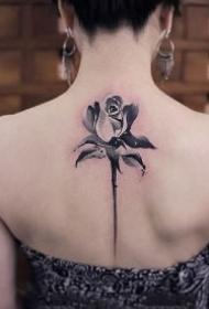 后背莲花纹身 女生手背好看的一组莲花纹身图片