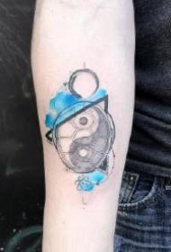 性冷淡蓝色水墨风的一组创意纹身图片