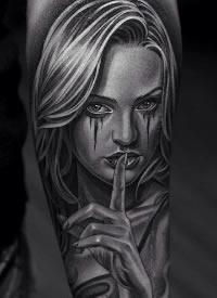 西海岸风格的一组包臂女郎等纹身作品