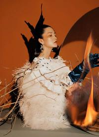 李沁时尚前卫杂志写真大片