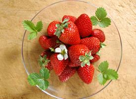 一組紅紅的草莓圖片欣賞