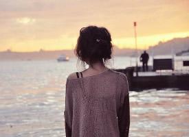 唯美伤感女生背影图片