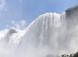 高清壮观的瀑布图片