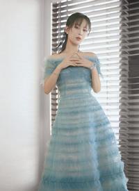 杨紫薄荷绿纱裙灵动写真图片
