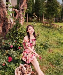 赵韩樱子唯美田园风甜美性感写真图片