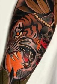 school风格的9款老虎头纹身作品图片