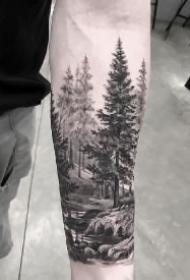 黑色包臂的一组森林纹身作品图片