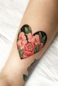 小心心纹身 好看的一组极简约的小心形纹身图片