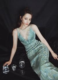 迪丽热巴妙曼身姿性感写真图片