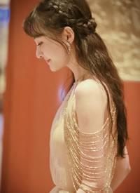 郑爽轻盈纱裙优雅写真图片
