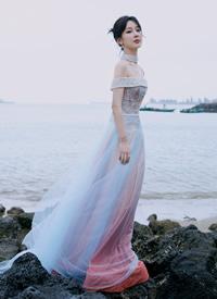 杨紫星空裙仙气性感写真图片