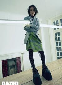 周冬雨元气时尚写真图片