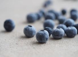 一组小浆果蓝莓图片欣赏