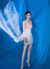 李沁纱裙性感仙气写真图片