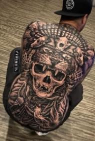 霸气的9款欧美黑灰大满背纹身作品