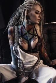 一组脏辫纹身美女图片欣赏