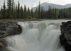 一组气势磅礴的瀑布图片