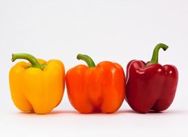 新鲜美味的的柿子椒图片
