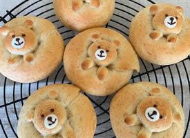 Q版可爱的小面包