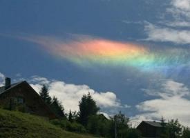 巴西天空的彩虹云,好魔幻