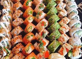 色彩斑斓的寿司