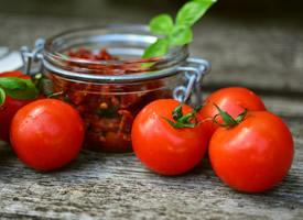 西红柿圆溜溜高清图片大全