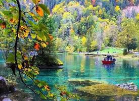 """瑞士的""""九寨沟"""", Blausee蓝湖"""