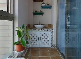 阳台放置洗手台,不仅实用,颜值也很高
