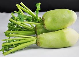 一组营养的青萝卜图片