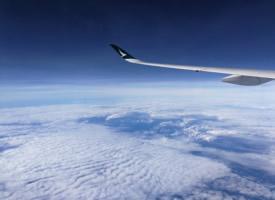 飞机上拍摄的蓝天白云图片