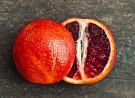 血橙香甜多汁,有一种芬芳的香气