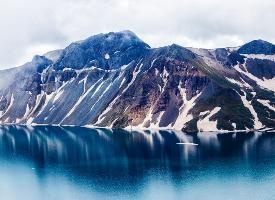 吉林长白山天池冬季风景图片
