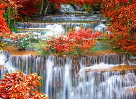 一组秋天霜叶瀑布图片