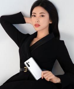朱珠优雅时尚写真图片