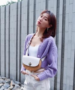 李斯羽丁香紫甜美靓丽图片