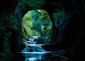 日本千叶县的绝美瀑布,犹如动画中的绝美仙境
