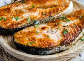 鲜嫩的鱼肉图片