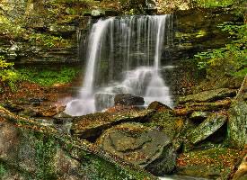 一组林间小瀑布图片
