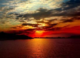 傍晚霞光云彩壁纸图片