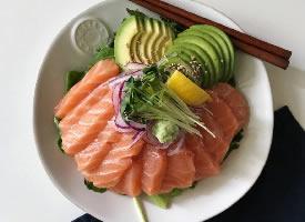 一组美味的三文鱼美食图片